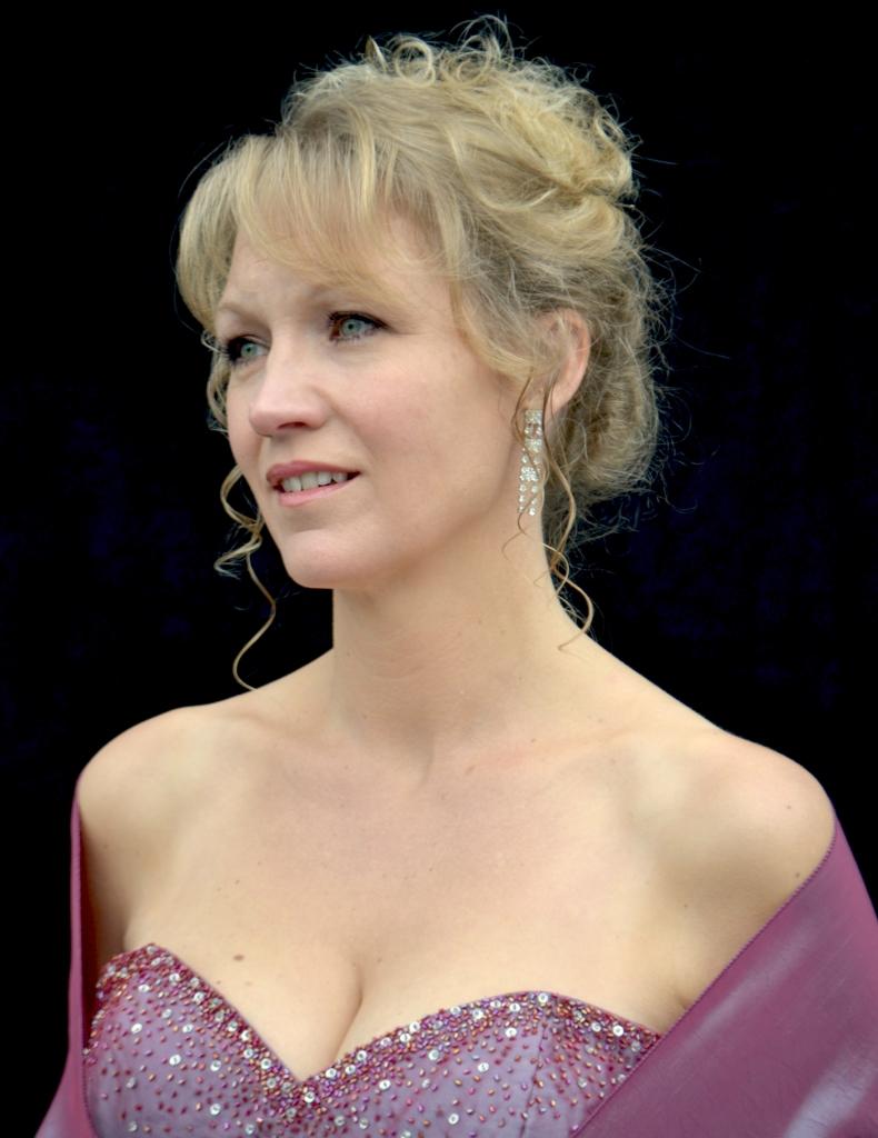 Soprano Soloist - Catherine Hamilto